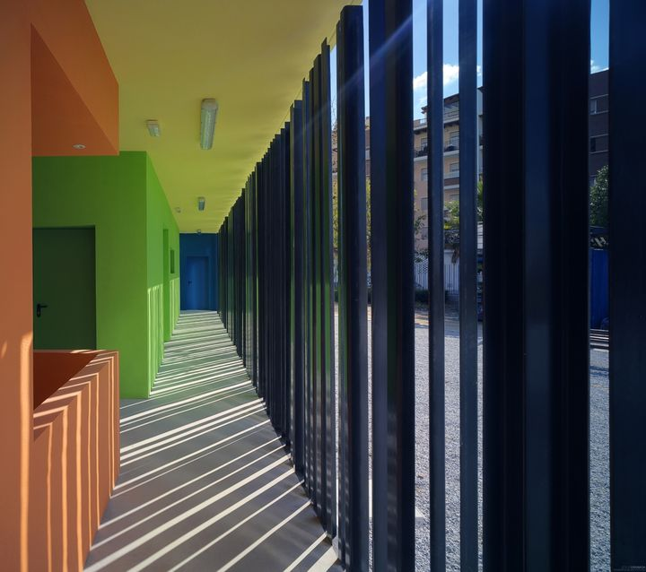 changing-rooms-and-sports-facilities-in-a-park-by-gana-arquitectura-07